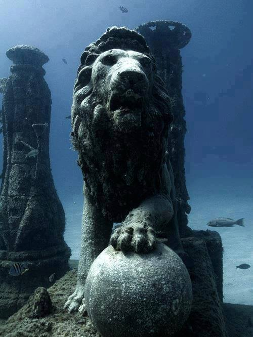 Cleopatras underwater palace-Egypt